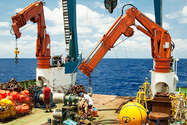 Deploying a mooring as part of the RAPID array