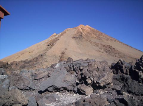 Tiede volcano