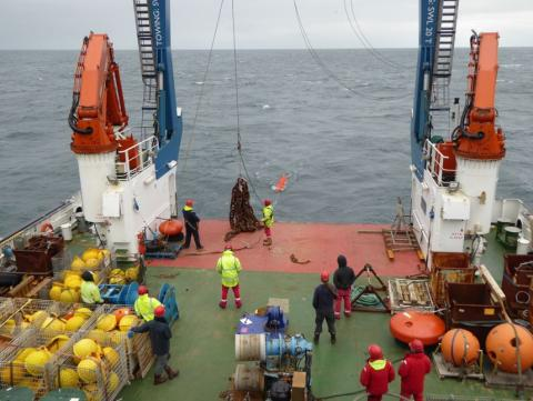 Mooring deployment onboard RRS Discovery
