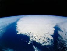 """Greenland viewed from space (courtesy of <a href=""""http://eol.jsc.nasa.gov/scripts/sseop/photo.pl?mission=STS045&roll=152&frame=105"""">NASA</a>)"""