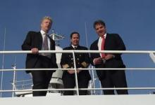 Jo Johnson MP, Science Minister, with Captain Jo Cox and Prof. Ed Hill on RRS Discovery