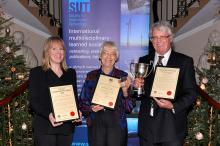 Penny Holliday (left) presented SUT Oceanography Award, photo from Society for Underwater Technology
